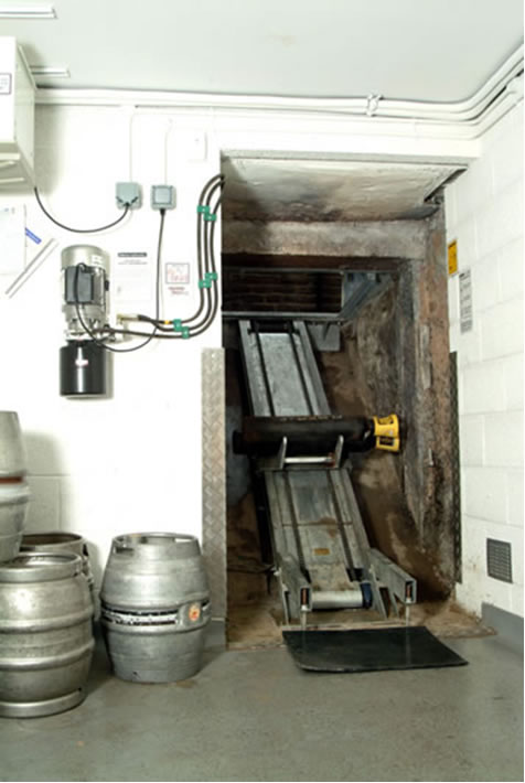 Power Operated Cellar Hoists For Beer Containers Hse And